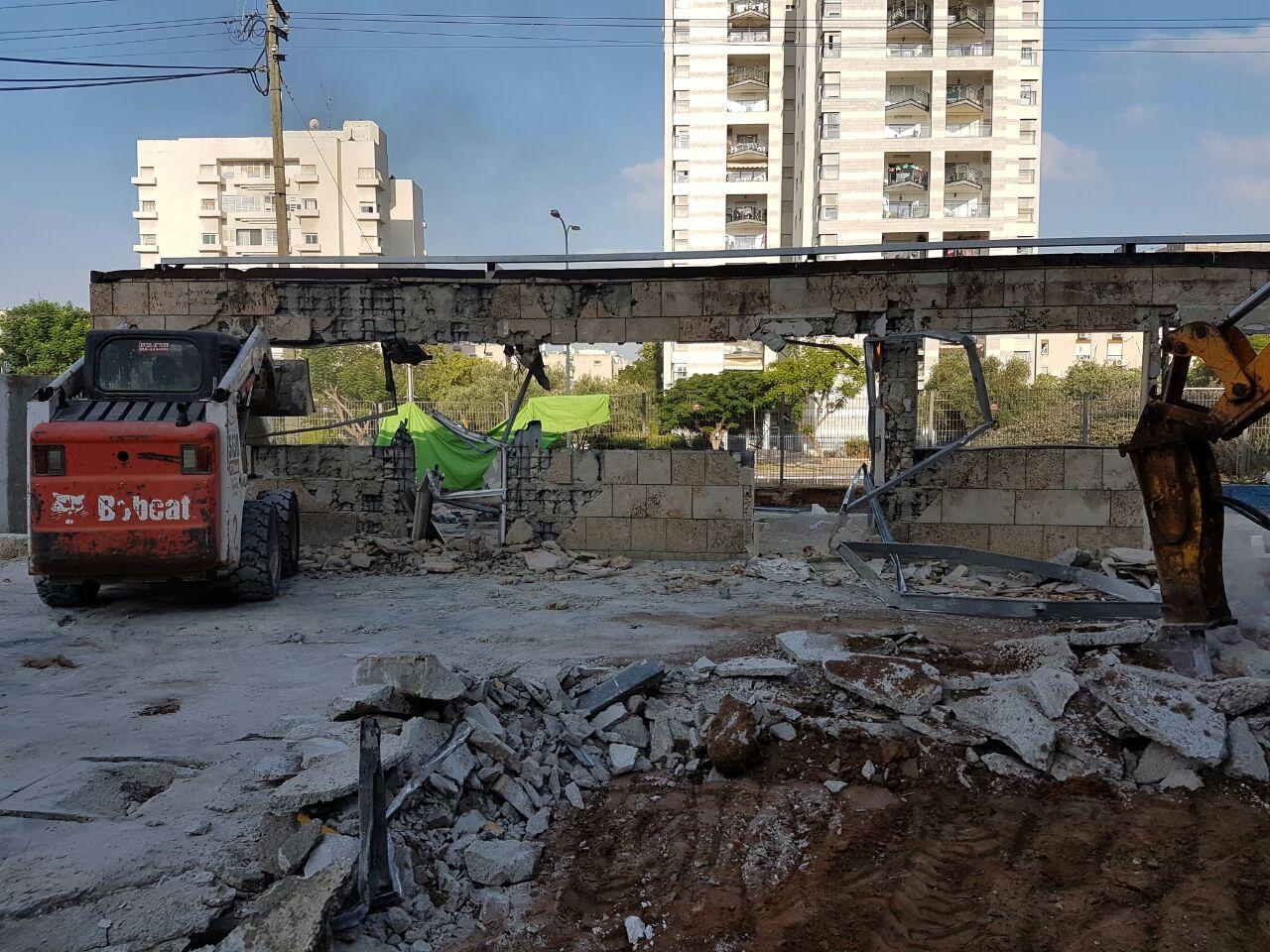 עבודות הריסה ברמת גן.צילום: דוברות משטרת ישראל