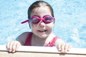 ילדים בבריכה. צילום באדיבות: Pixabay