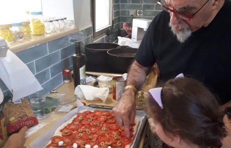מבשלים קואליציה? ילדי משפחתון סוזאן מרמת-גן בישלו ביום הבחירות עם השף אהרוני