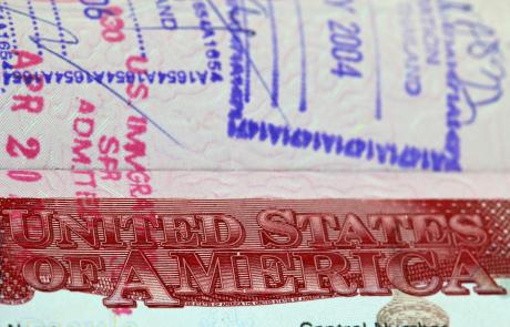 """האם חידוש ויזה לארה""""ב מחויבת בהגעה לשגרירות?"""