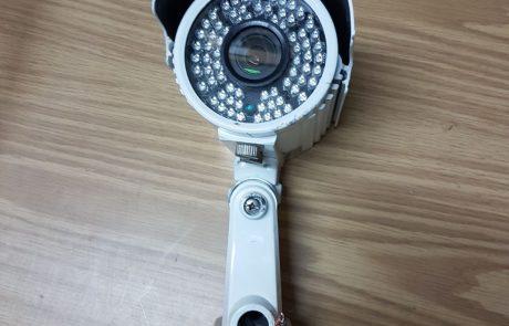 גנבו מצלמת אבטחה בבית הספר בעקבות סכסוך עם המורה