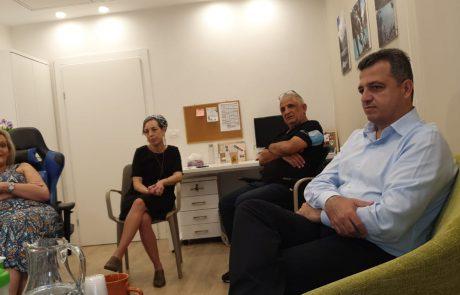 ראש עיריית רמת גן ביקר במרכז לטיפול ולמניעת אלימות במשפחה בעיר