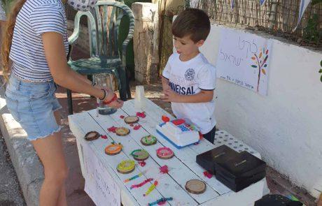 ינאי בן ה-4 יצא לרחוב וגייס למעלה מ-70 ארוחות לנזקקים