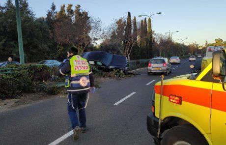 דרך אלוף שדה: רכב פגע ברוכב אופנוע והתהפך