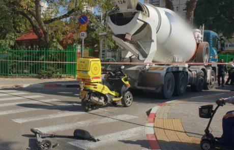 שוב תאונת דרכים, שוב הולכת רגל: בת 40 במצב קשה לאחר שנפגעה ממשאית ברמת גן