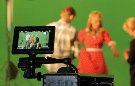 אולפן גרין סקרין מקצועי להפקות וידאו באיכות גבוהה