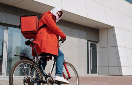 השליח על האופניים ביקש מהנשים עזרה – וביצע בהן מעשים מגונים